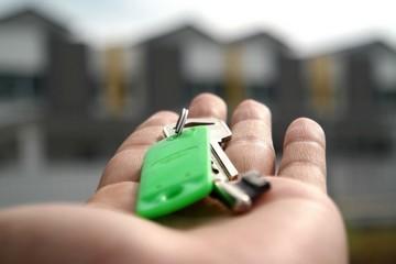 Кто оплачивает риэлтора при покупке квартиры