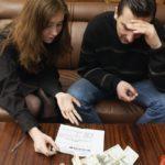 Купили квартиру с долгами по коммуналке: что делать, кто должен платить?