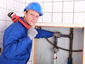 Ремонт канализационного стояка: кто должен менять и ремонтировать?