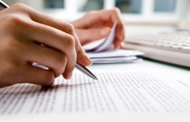 Продажа квартиры с обременением: способы, документы, риски