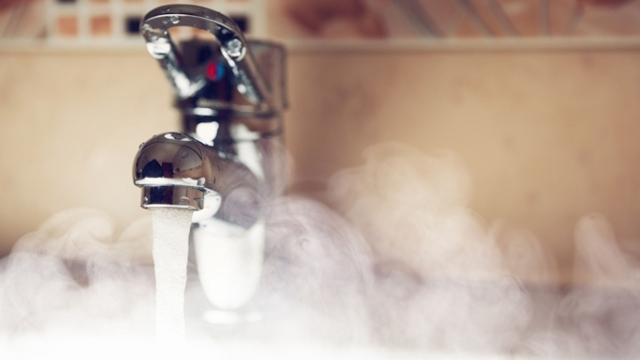 Какой температуры должна быть горячая вода в кране по ГОСТу 2020?