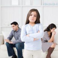 Как выписать и прописать несовершеннолетнего ребенка в другую квартиру?