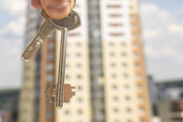 Дарственная на квартиру: особенности оформления, стоимость